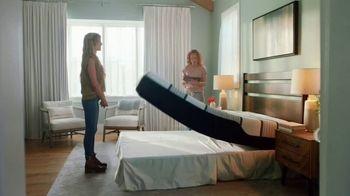 Mattress Firm TV Spot, 'Junk Sleep' Featuring Christina Haack - Thumbnail 8