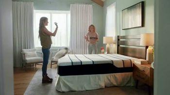 Mattress Firm TV Spot, 'Junk Sleep' Featuring Christina Haack - Thumbnail 9