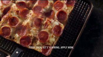Jet's Pizza 8 Corner Pizza TV Spot, 'Motor City Muscle' - Thumbnail 8