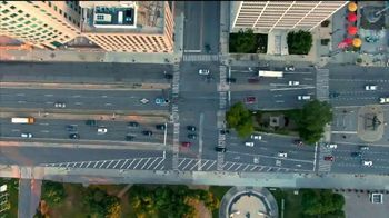 Jet's Pizza 8 Corner Pizza TV Spot, 'Motor City Muscle' - Thumbnail 1