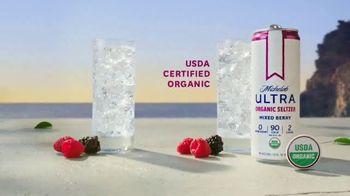 Michelob ULTRA Organic Seltzer Mixed Berry TV Spot, 'Breaking Away' - Thumbnail 7