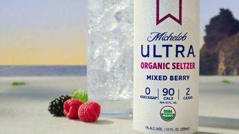 Michelob ULTRA Organic Seltzer Mixed Berry TV Spot, 'Breaking Away' - Thumbnail 9