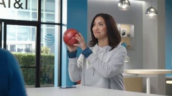 AT&T Wireless TV Spot, 'Security Threat: Mask' Featuring David Robinson - Thumbnail 3