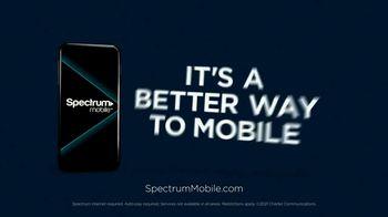 Spectrum Mobile TV Spot, 'Small Details: Airport' - Thumbnail 9