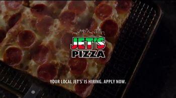 Jet's Pizza 8 Corner Pizza TV Spot, 'Comes From Detroit' - Thumbnail 9
