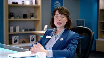 AT&T Wireless TV Spot, 'Lily Uncomplicates: Full Court Press' - Thumbnail 4
