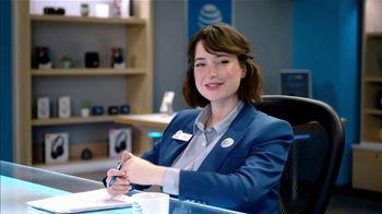 AT&T Wireless TV Spot, 'Lily Uncomplicates: Full Court Press' - Thumbnail 6