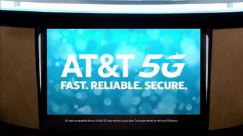 AT&T Wireless TV Spot, 'Lily Uncomplicates: Full Court Press' - Thumbnail 9