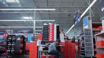 Academy Sports + Outdoors TV Spot, '25% de descuento: Nike, adidas y Under Armour' [Spanish] - Thumbnail 3