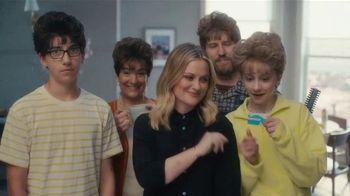XFINITY Internet TV Spot, 'Awkward Haircuts: $19.99' Featuring Amy Poehler - Thumbnail 8