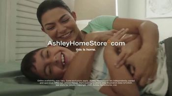 Ashley HomeStore The Big Deal Event TV Spot, 'Welcome Spring' - Thumbnail 7