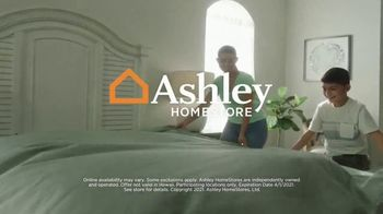 Ashley HomeStore The Big Deal Event TV Spot, 'Welcome Spring' - Thumbnail 6