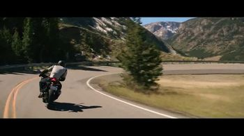 GEICO Motorcycle TV Spot, 'Lining the Field' Song by The Foundations - Thumbnail 3