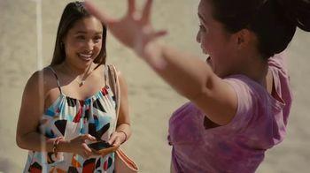Hinge TV Spot, 'Beach' - Thumbnail 3