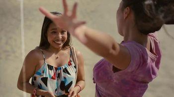Hinge TV Spot, 'Beach' - Thumbnail 7