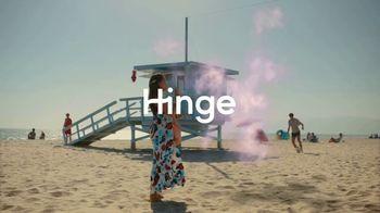 Hinge TV Spot, 'Beach' - Thumbnail 9