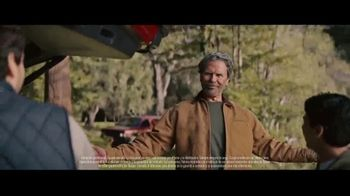 2022 Nissan Pathfinder TV Spot, 'Abuelo' Song by Heroes Del Silencio [Spanish] [T1]
