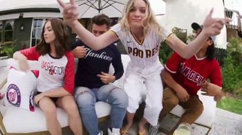MLB Shop TV Spot, 'Llévate el juego contigo' canción de Sam Shrieve [Spanish] - Thumbnail 3