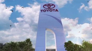 Toyota Driven to Be the Best Event TV Spot, 'Best Deals: Hybrid' [T2] - Thumbnail 8