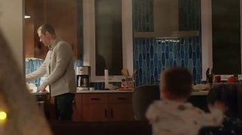 Bissell air320 Purifier TV Spot, 'Take a Breather' - Thumbnail 2