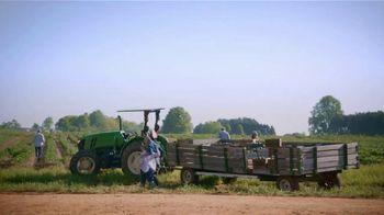 Food Lion, LLC TV Spot, 'Grab a Little Local Goodness: Farmers' - Thumbnail 8