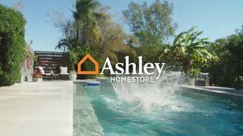 Ashley HomeStore Memorial Day Sale TV Spot, 'Hasta 30% de descuento' [Spanish] - Thumbnail 2