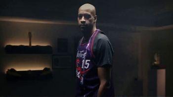 Hotels.com TV Spot, 'NBA: Changing Plans' Featuring Vince Carter - Thumbnail 2