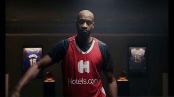 Hotels.com TV Spot, 'NBA: Changing Plans' Featuring Vince Carter - Thumbnail 8