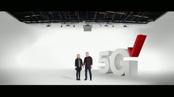 Verizon TV Spot, 'Deployment: Military Offer and $200 Switcher' - Thumbnail 5
