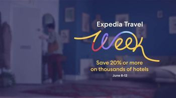 Expedia Travel Week TV Spot, 'Expedia Gets You Out' - Thumbnail 6