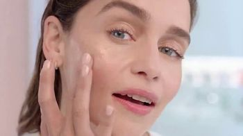 Clinique Moisture Surge 100H TV Spot, 'Get to the Bottom' Featuring Emilia Clarke