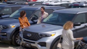 Ford Memorial Day Sales Event TV Spot, 'Kick Off Summer' [T2] - Thumbnail 4