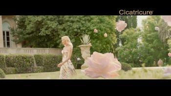 Cicatricure Gold Lift TV Spot, 'Flotante' con Valeria Mazza [Spanish] - Thumbnail 1