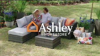 Ashley HomeStore Venta de Memorial Day TV Spot, '20% de descuento' [Spanish] - Thumbnail 1