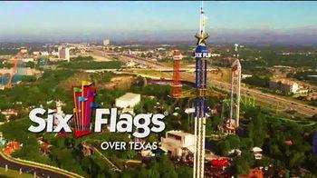 Six Flags Over Texas TV Spot, '¿Lo escuchas?' [Spanish] - Thumbnail 4