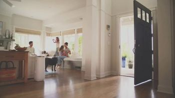 Filtrete Smart Air Purifier TV Spot, 'The Crelling Family's Air Story' - Thumbnail 1