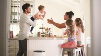 Filtrete Smart Air Purifier TV Spot, 'The Crelling Family's Air Story' - Thumbnail 7