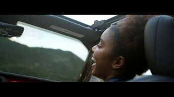 Jeep Freedom Days TV Spot, 'One Family' [T2] - Thumbnail 3