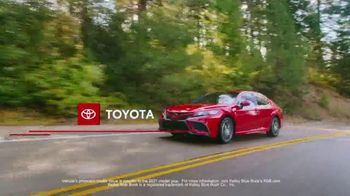 Toyota Run the Numbers Summer Getaway TV Spot, 'Time to Get Away: Sedans' [T2] - Thumbnail 3