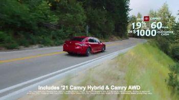 Toyota Run the Numbers Summer Getaway TV Spot, 'Time to Get Away: Sedans' [T2] - Thumbnail 4