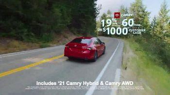 Toyota Run the Numbers Summer Getaway TV Spot, 'Time to Get Away: Sedans' [T2] - Thumbnail 5