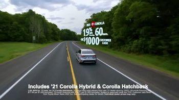 Toyota Run the Numbers Summer Getaway TV Spot, 'Time to Get Away: Sedans' [T2] - Thumbnail 7