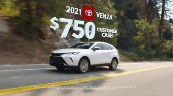 Toyota Run the Numbers Summer Getaway TV Spot, 'Time to Get Away: Hybrids' [T2] - Thumbnail 4