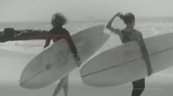 White Claw Hard Seltzer Iced Tea TV Spot, 'Surfing' Song by LUCIA - Thumbnail 9