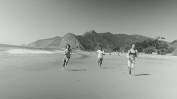 White Claw Hard Seltzer Iced Tea TV Spot, 'Surfing' Song by LUCIA - Thumbnail 6