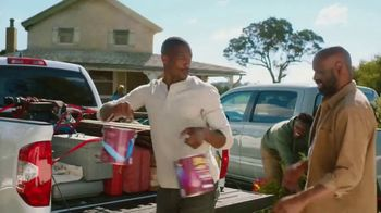 Toyota TV Spot, 'Helping Hands' Song by Illa J [T1] - Thumbnail 6