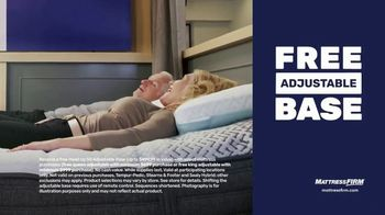 Mattress Firm TV Spot, 'King for a Queen, Free Adjustable Base on Sealy' - Thumbnail 4