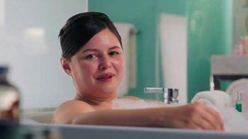 Hotwire TV Spot, 'Live in a Bathtub'