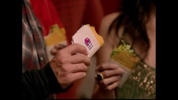 Taco Bell Fourth Meal TV Spot, 'After Midnight' Song by Wallpaper - Thumbnail 6