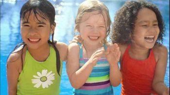 Neutrogena Wet Skin Kids TV Spot, 'Pool' - Thumbnail 4